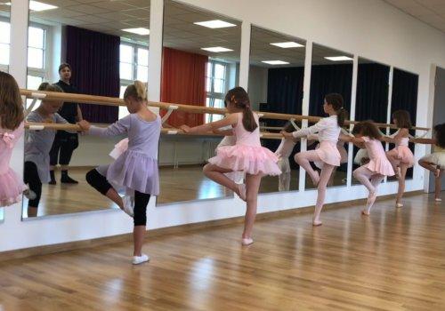 Tanzakademie / klassisches Ballett
